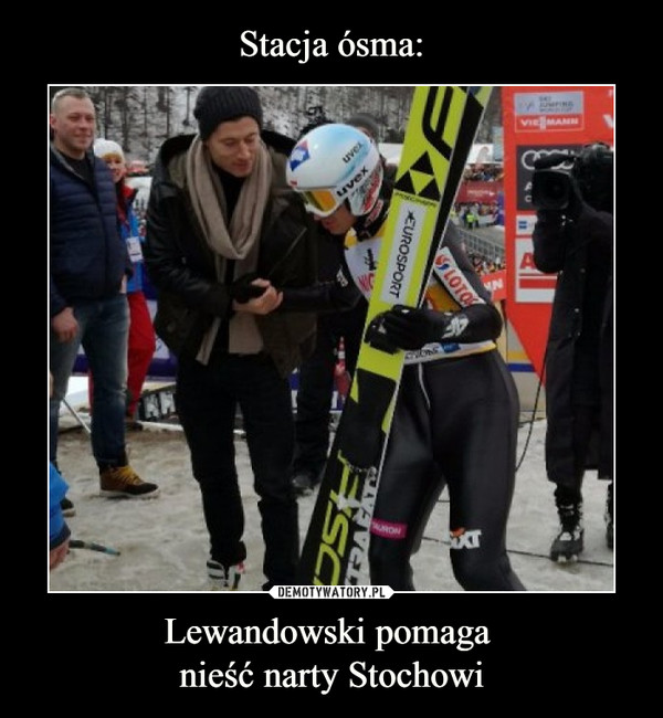 Lewandowski pomaga nieść narty Stochowi –