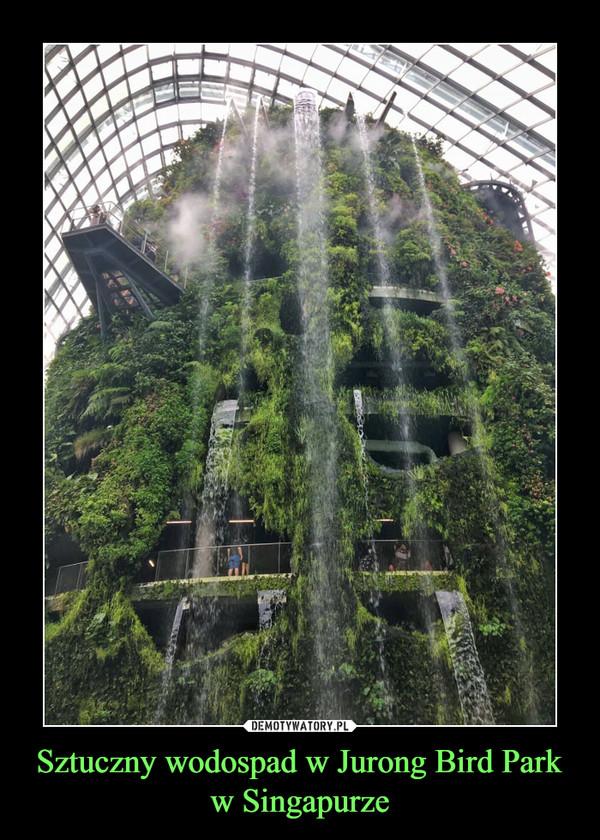 Sztuczny wodospad w Jurong Bird Park w Singapurze –